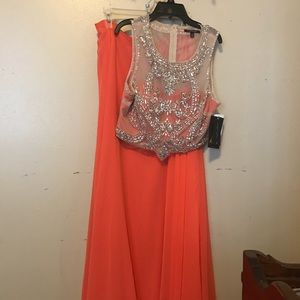 Dresses & Skirts - NWT GORGEOUS CORAL 2pc DRESS